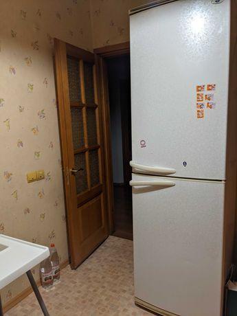 Холодильник в полностью рабочем состоянии