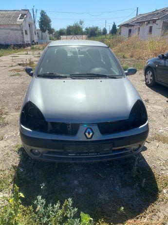 Dezmembrez Renault clio 1.4 mpi an 2004