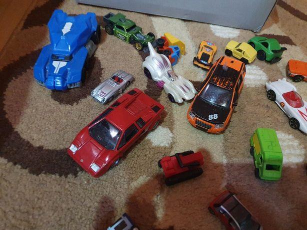 Lot mașinuțe de colectie  de dimensiuni  diferite