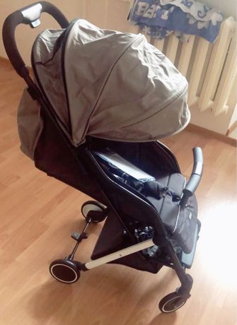 Коляска прогулочная Happy baby, очень легкая, удобная, маневреннная