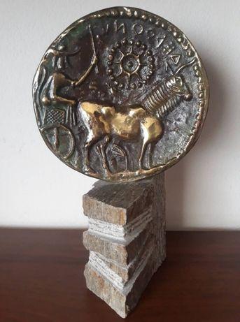 Антична бронзова монета