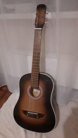 Продам Гитару + ЧЕХОЛ