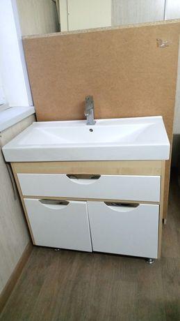 Раковина с гарнитурой с зеркалом смеситель плюс шкаф