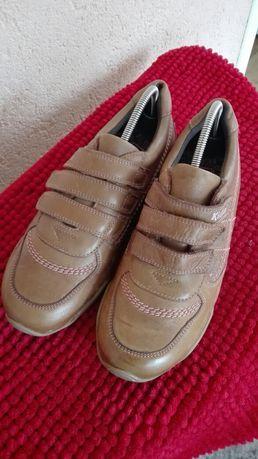 Pantofi noi piele nr 39 Kickers