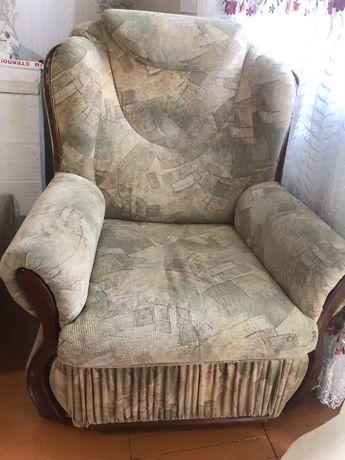 Продам диван раскладной с креслом
