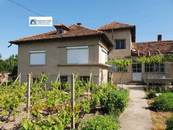Продава къща във Враца, област-с.Остров, площ 150 м2