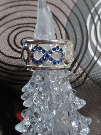 Дамски пръстен.