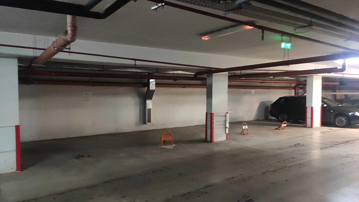 Подземни паркоместа на бул. България 49А