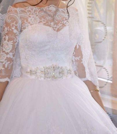 Продаю 2 свадебных платья!
