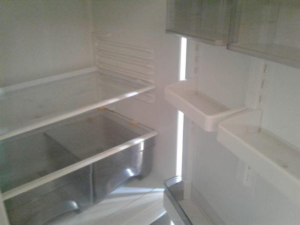Продам полки от холодильников