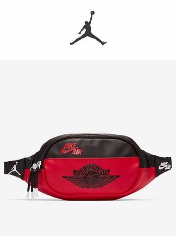 Чанта паласка Nike