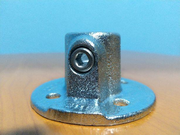 SteelTek 3/4- din oțel zincat cu flanșă din podea