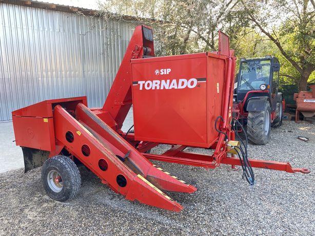 Culegatoare , Culegator de porumb Sip Tornado 40