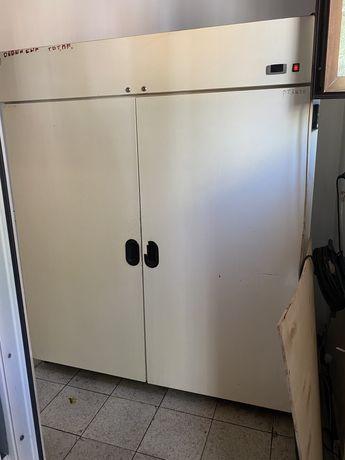 Холодильник кухенный промышленный