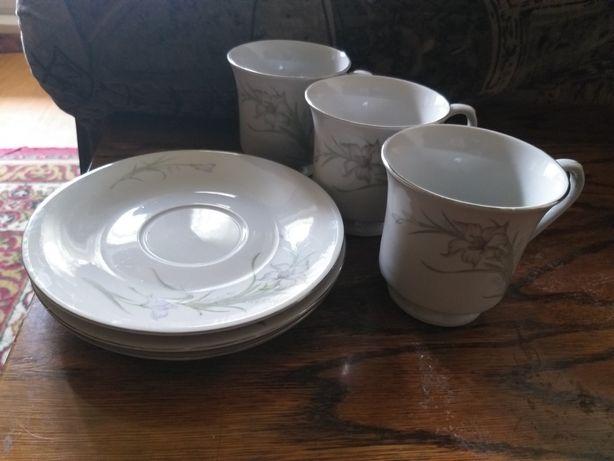 Продам набор блюдца и чайные чашки