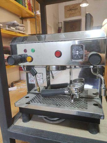 Кофемашина одногруппная Bezzera BZ40