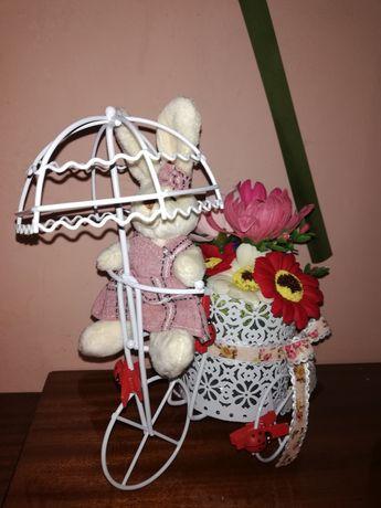 Decoratiune flori din sapun, Bicicleta cu umbreluta