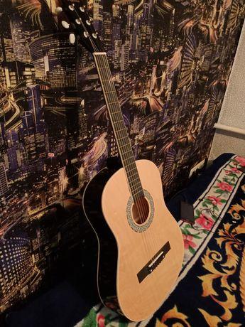 Продам гитару 20000