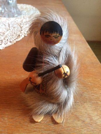 Дървена фигурка ескимос соц играчка