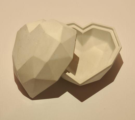 cutie de bijuterii inimă / marturii handmade din ipsos