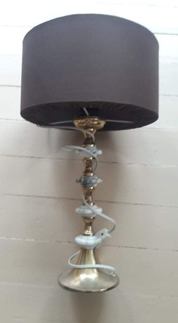 Ретро лампа с мраморни детайли