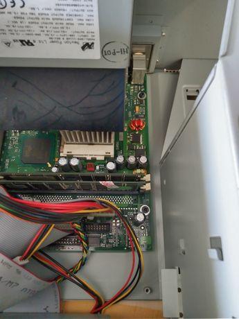 Schimb: kit pc retro pentium 3 733 mhz
