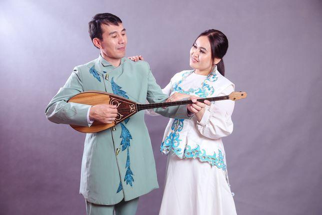Тамада музыкант дуэт әншілер