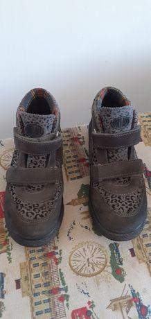 Ботинки размер 32