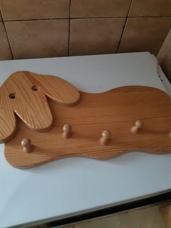 Cuier din lemn ptr copii cu 5 agatatori, lungime 53cm
