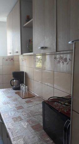 2 camere cu baie si bucatarie la casa in Pacurari.