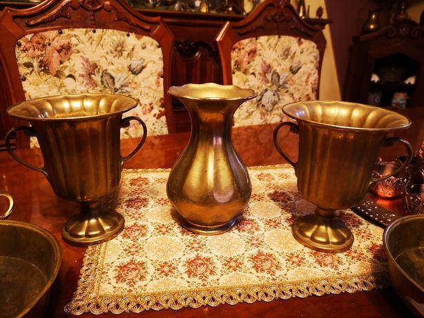 Vand vaze din bronz model deosebit, destul de groase si grele!!