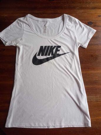 Тениска Nike - размер