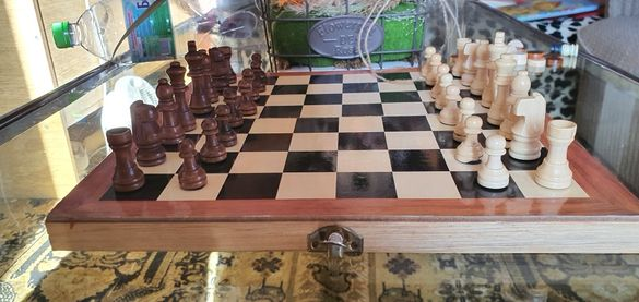 Дървен шах 29х28 см.
