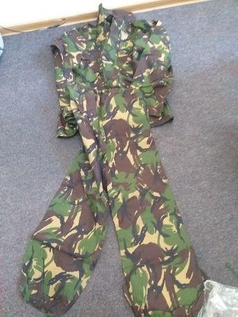 Vand costum camuflaj tip mozaic, costum anti-intemperii