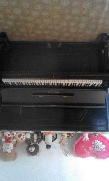 Давам  уроци по класическо пиано 12лв. 60мин
