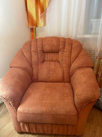 Диван и кресло 4 метра длина 1.50 ширина
