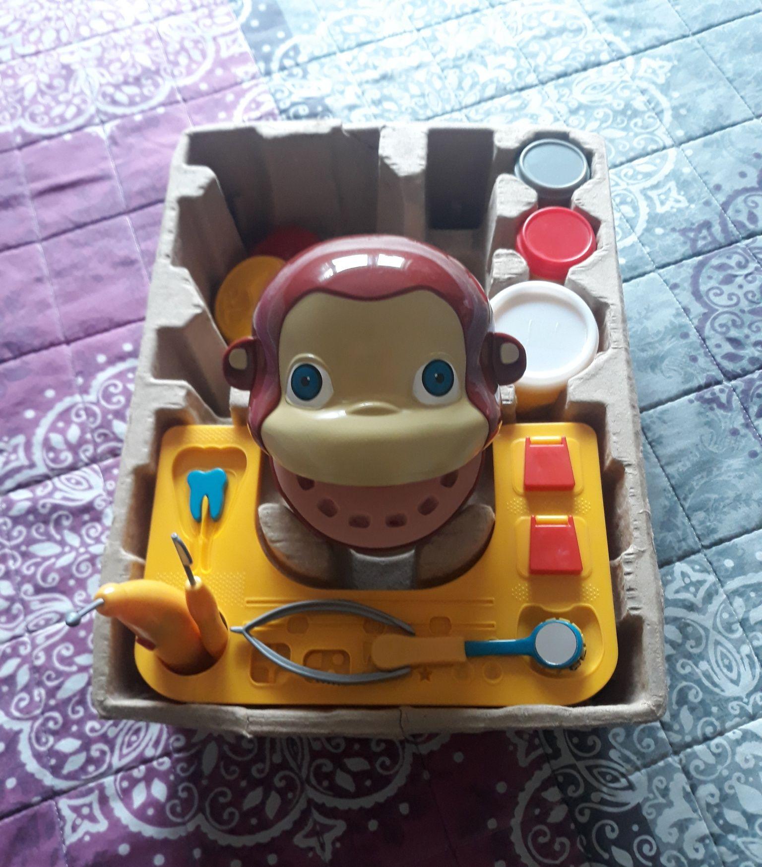 Maimuța la dentist