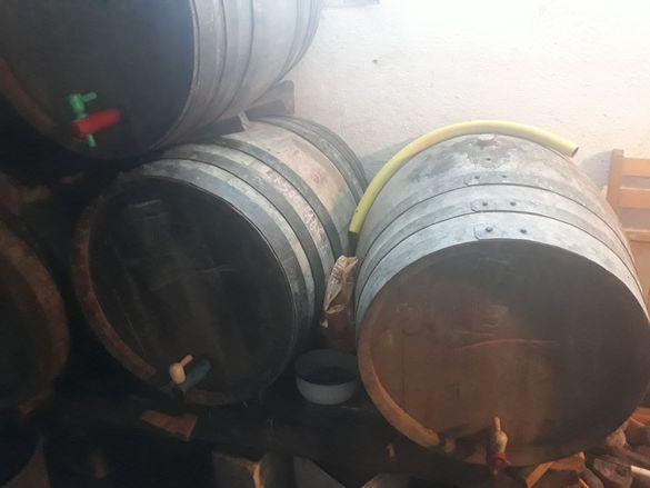 Дървени бурета за вино