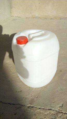 Канистры чистые пищевые для воды и прочее 20 литровые