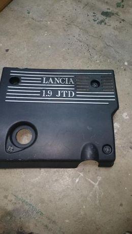 Ланчия Либра 1,9 -Декоративен капак за двигател