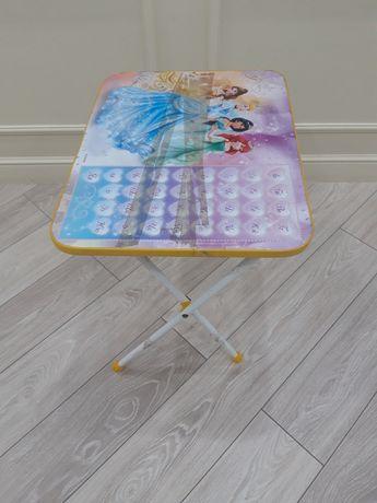 Детский стол принцесса.