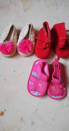 Vând papucei copii
