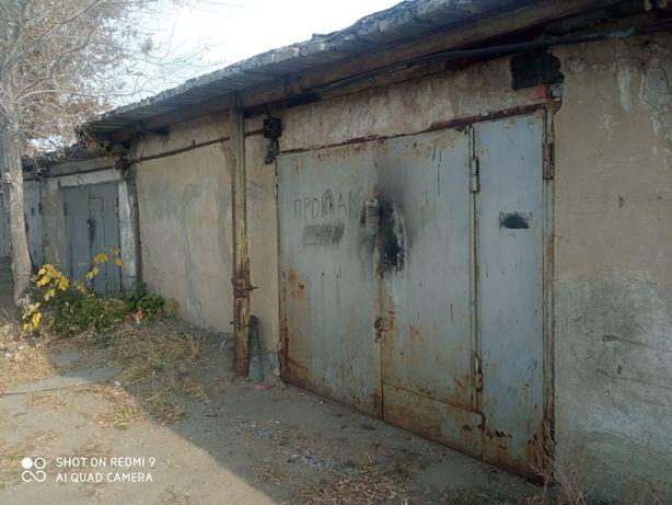 Продам гараж в 11 обществе