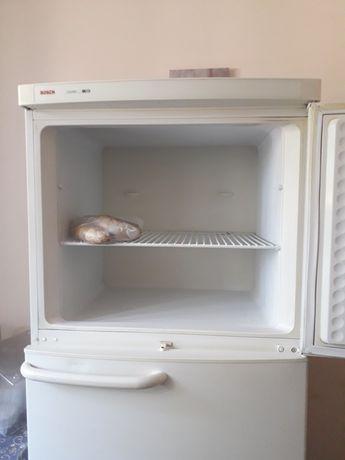 Продаю холодильник Bosch