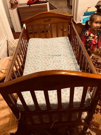 Детский кровать находится в Сортировке