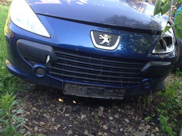 Dezmembrez Peugeot 307 1.6hdi 2007
