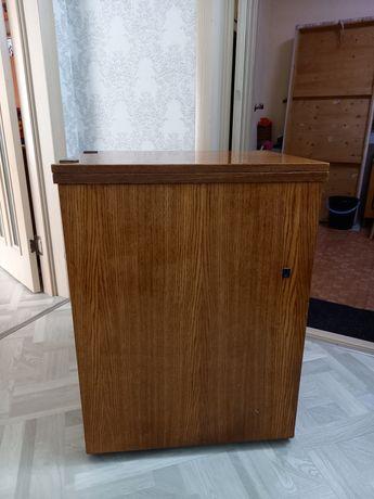 Продаётся швейная машинка СССР Чайка 142-М