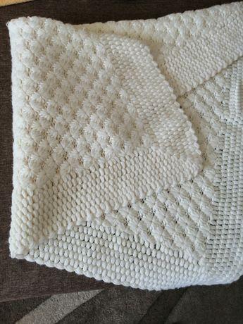Бебешко плетено одеало
