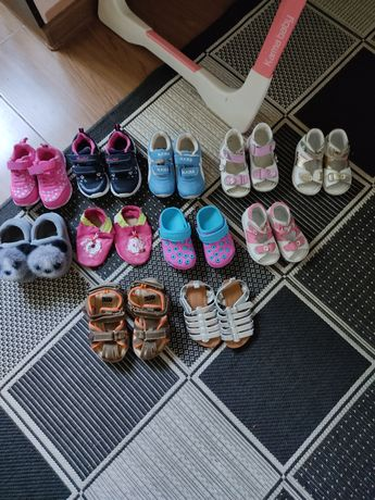 Продам разную детскую обувь