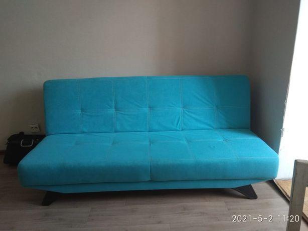 Продам в хорошем состоянии раскладной диван.